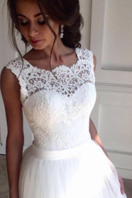Sleeveless Sheer Lace Appliqués A-line Wedding Dress Featuring V Back